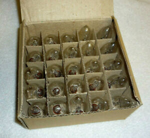 Box 25 Light Bulbs 7 WATT C7 CLEAR Night Light Candleabra Christmas Replacement!