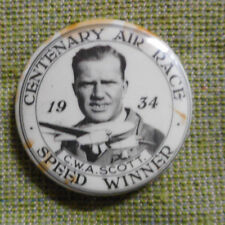 #D400. 1934 - 1935  ENGLAND TO MELBOURNE CENTENARY AIR RACE BADGE