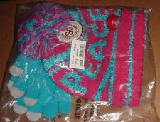 """NWT Girls SO """"PEACE"""" HAT AND TEXTING GLOVE SET Size M-L"""