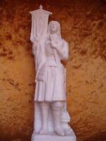 Une statuette Jeanne d'Arc biscuit.ancienne .étendard .  bon état .