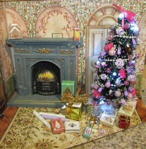 DOLLHOUSE MINIATURE LIGHTED CHRISTMAS TREE --OOAK ( PINK AND PLUM)