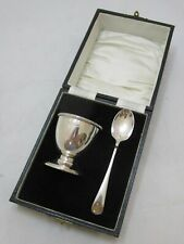 Cased Antique George V sterling silver egg cup and spoon, 40g