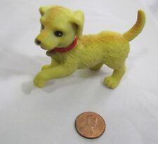 Dollhouse PLAYFUL WALKING YELLOW DOG PET PUPPY RED COLLAR 2006 Mattel Barbie
