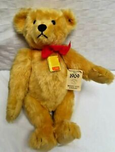 Margarete Steiff, Original Gold Teddy Bear, 1909 Replica
