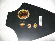 BRAND NEW VINTAGE COSTUME JEWELLERY SET BROOCH, EARRINGS, RING, ORANGE/PEARL
