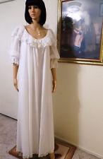 LUCIE ANN vintage BRIDAL PURE WHITE AND LACE PEIGNOIR SET size M medium
