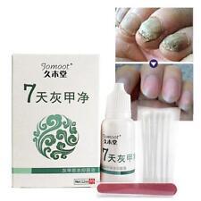 Zehen Finger Nagel Pilz Behandlung Antipilz Infektion mit Wattestäbchen / S U0F1