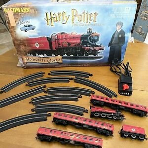 HARRY POTTER HOGWARTS EXPRESS Chamber Of Secrets HO/OO Scale Train Bachmann Usef