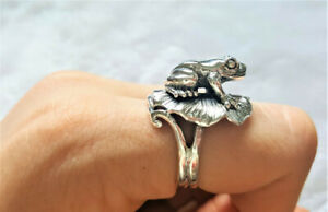 925 Sterling Silver Handmade Frog on Lily Pad Ring Good Luck Ring Talisman Amule