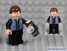 LEGO - Peter Parker w/ Camera Minifigure Spiderman Sand Blue Zipper Vest 4856