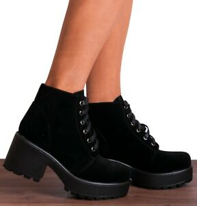 BLACK CLEATED PLATFORMS BIKER CHUKKA LACE UPS ANKLE BOOTS CLEATED PLATFORMS