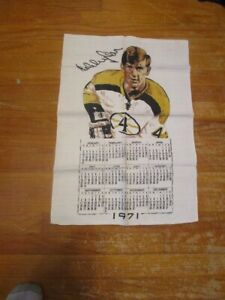 "1971 Bobby Orr Cloth Calendar-Boston Bruins 17"" x 25""-GREAT SHAPE"
