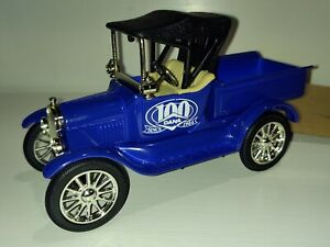 Ertl Collectibles 1918 Ford Runabout Die Cast Vehicle 100 Years Dana VGC W/Box