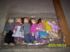 "FAMILY OF WOODEN Dollhouse Family Dolls NIP Joyshare  4.5"" - 2.5"" ""LOT OF 7"""