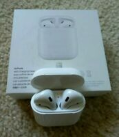 Genuine Apple Airpods White 2nd Generation MV7N2AM/A Wired Charging Case USED