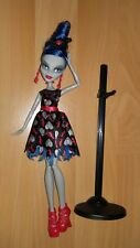 Poupée MONSTER HIGH Ghoulia Yelps comme NEUVE rare collection Love is not Dead