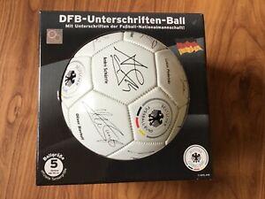 DFB - Unterschriften - Ball, Ballgrösse 5, Umfang 68 - 70 cm