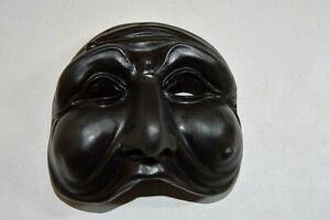 Maschera in terracotta pulcinella