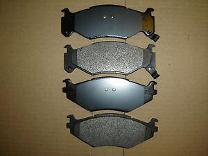 "D522 Premium Semi Metallic  Quality FRONT BRAKE PAD SET D522 (15"" Wheel)"