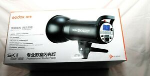 Godox SK400II 400Ws GN65 5600K 2.4G Wireless Studio Flash Strobe Light  X2