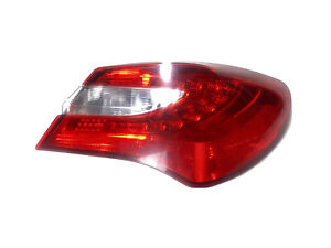 2012-14 CHRYSLER 200 SEDAN PASSENGER SIDE REAR BRAKE TAIL LIGHT 05182524AE OEM