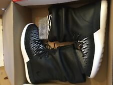 New Nike Womens Roshe Two HI Flyknit Boots 861708-002 sz 7.5 $225 Retail