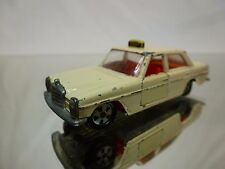 SIKU V309 MERCEDES BENZ 250 - TAXI - CREAM 1:60? - GOOD CONDITION