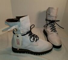 NEW FREE PEOPLE AS 98 PIKE DISTRESSED WHITE LACE UP BOOTS US 10 EUR 40