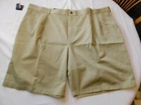 NWT Roundtree Yorke Travel Smart Beige Pleated Front Men/'s Shorts Size 48 50 52