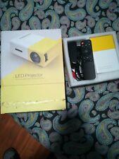 Mini Proiettore LED Portatile Usb Microsd Hdmi Av Con Telecomando