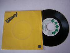 SP 2 TITRES , VINYLE 45 T , WINGS , GIVE IRELAND BACK TO THE  .  VG - / VG .