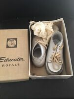 Vintage Buntees Baby White Leather Hand Lasted Moccasins with Box Size 5 1/2 D