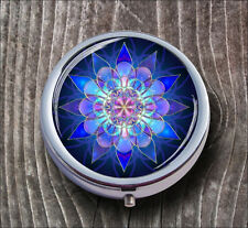 FRACTAL STAR BLUE AND PINK PILL BOX ROUND METAL -v5t6n
