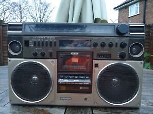 hitachi trk 8600 boombox ghettoblaster, ,working, serviced ,with new belts
