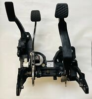 OEM VAUXHALL ASTRA J BRAKE & CLUTCH PEDAL BOX ASSEMBLY COMPLETE 39032860