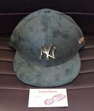 New Era Men's New York Yankees Dark Green Suede 9Fifty Snapback Hat Gold Badge