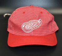 Detroit Red Wings Logo 7 Grid NHL Vintage 90's Snapback Cap Hat - NWT
