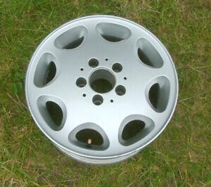 Mercedes Benz Classic 8 Hole Alloy Wheel Original Factory Paintwork- 7Jx15HxET25