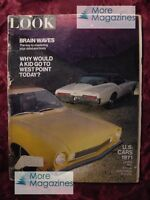 LOOK October 6 1970 1971 models CARS PHILIP ROTH