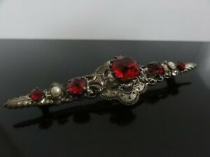 VICTORIAN RUBY RED CUT GLASS FAUX PEARLS LONG BROOCH