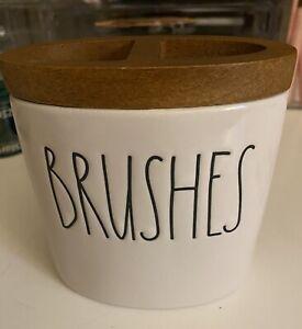 """Rae Dunn """"brushes"""" Toothbrush Holder, New"""