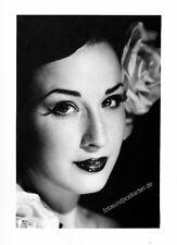 original Foto, Dita von Teese, Portrait, gestempelt, signiert