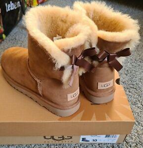 UGG  - Mini Bailey Bow - Stiefel Damen- Khaki - Gr. 41 - Neu mit Karton