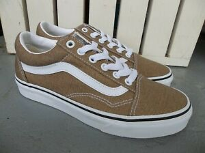 NWT WOMEN'S VANS OLD SKOOL SNEAKERS/SHOES.SIZE 7.BRAND NEW FOR 2021.SAVE. WOW!