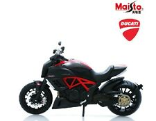 Maisto Ducati Diavel Scale 1/12 Black Diecast Motorcycle Model M123