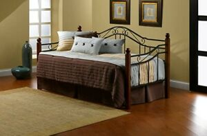 NEW No Box Hillsdale Furniture Madison Daybed Twin Black Frame wood posts