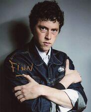 AUTOGRAPHE SUR PHOTO 20 x 25 de Finnegan OLDFIELD (signed in person)