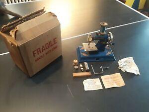 KAYanEE SEW MASTER toy sewing machine Blue Hand-Crank US Zone Germany w Box