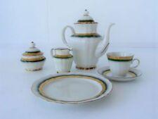Kaffee- & Teegeschirr aus Porzellan mit Goldranden