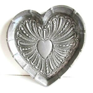 """1982 Metzke Pewter Heart Shaped Hammered Texture Trinket Tray Dish 4"""" FREE SH"""